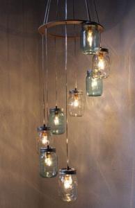 Lampkrona av glasburkar