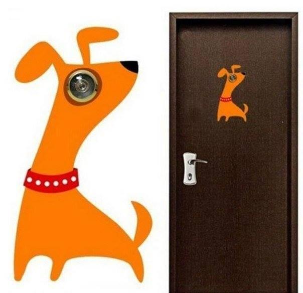 Roligt klistermärke med hund som tittar med tittögat
