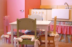 http://www.catdmoore.com/2010/vintage-inspired-play-kitchen/
