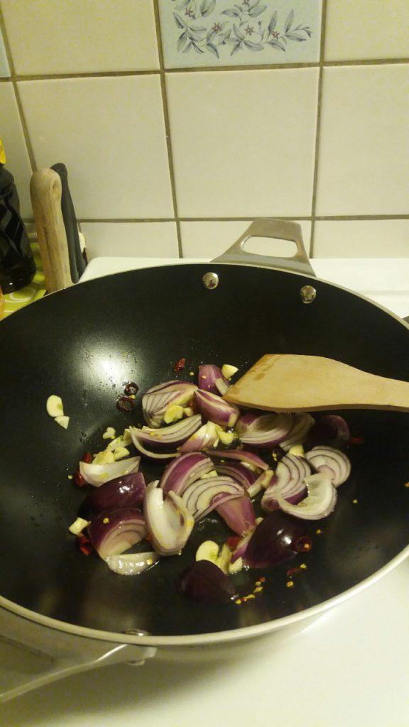 Vegetarisk och spicy pastarätt