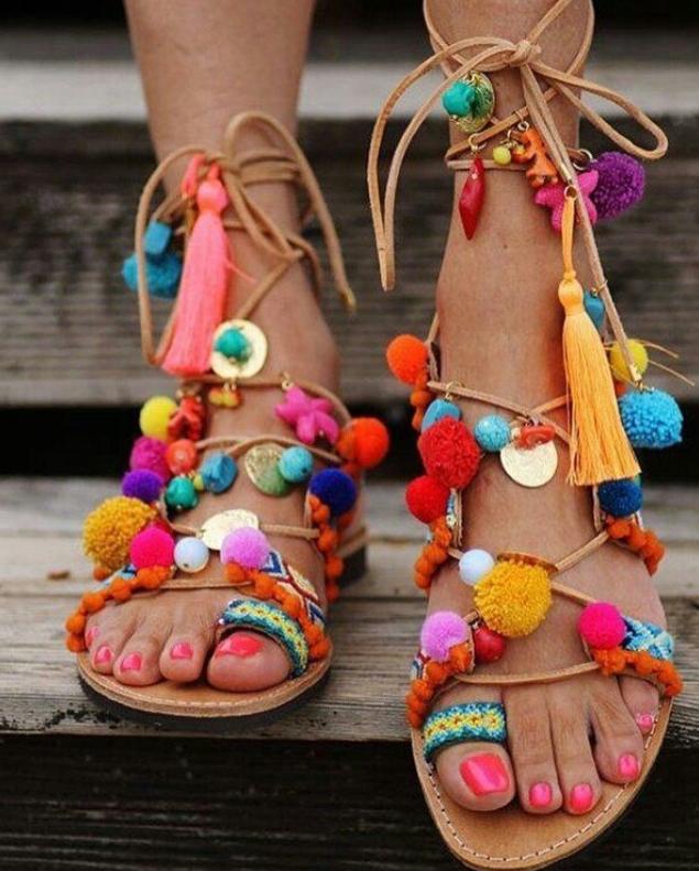 sandaler utsmyckade