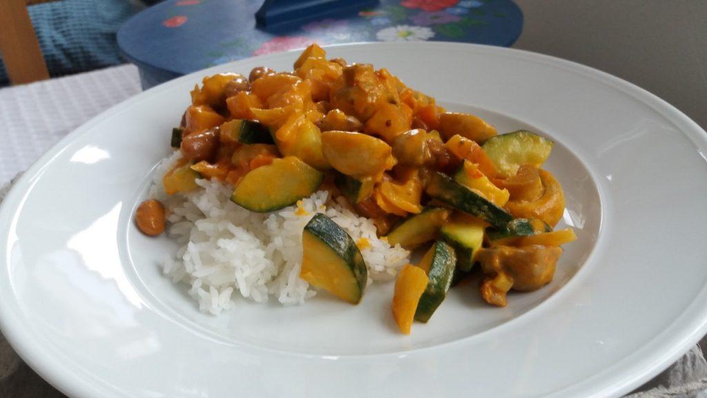 Kulinarisk grönsaksgryta med bönor som räcker i flera dagar