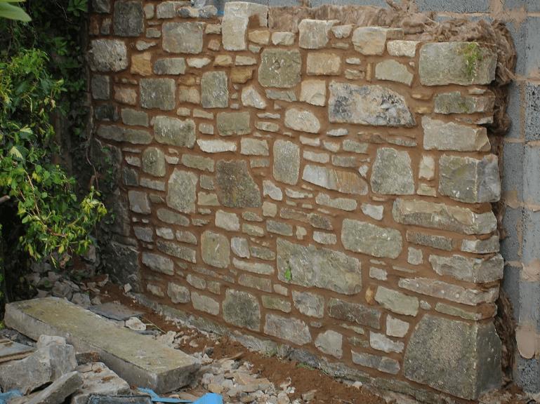Göra en stenvägg med hjälp av Lecablock