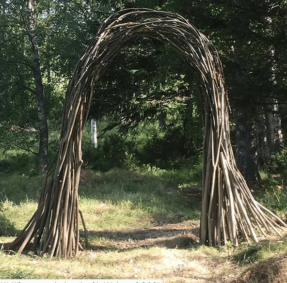 Portal av grenar från Sälg