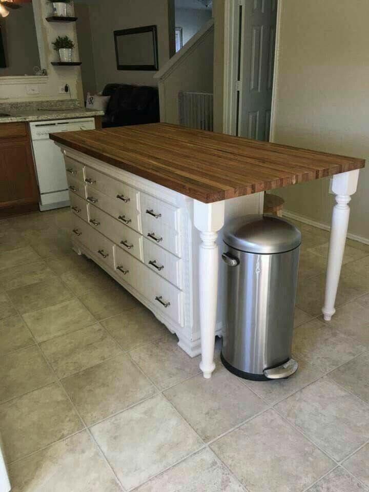Tillverka en köksö av ett högt bord och en sideboard