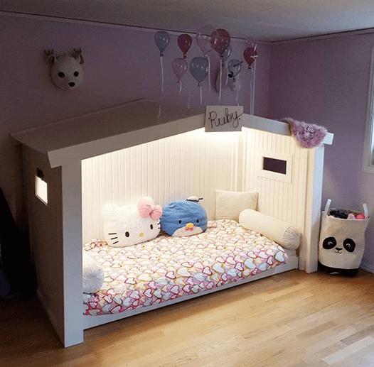 Bygga ett litet hus för barnsängen