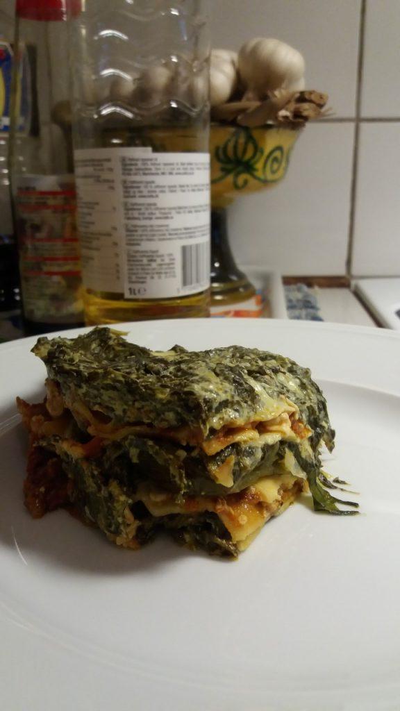 Lasagne med bladspenat och soltorkade tomater