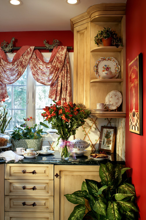 Tjusig gardinuppsättning med vackert tyg / sjal