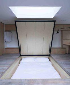säng under golvet
