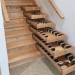 Vinkällare i trappan