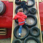 Göra Klättervägg till barn av gamla bildäck